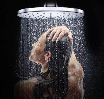 贴花红小黑膏能洗澡吗 第1张