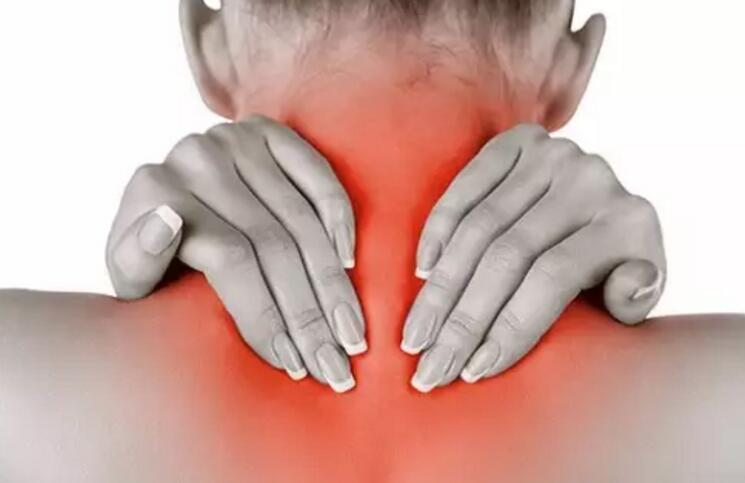 不良姿势易引发颈椎病