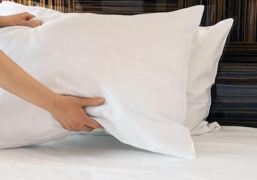 正确选择枕头防治颈椎病