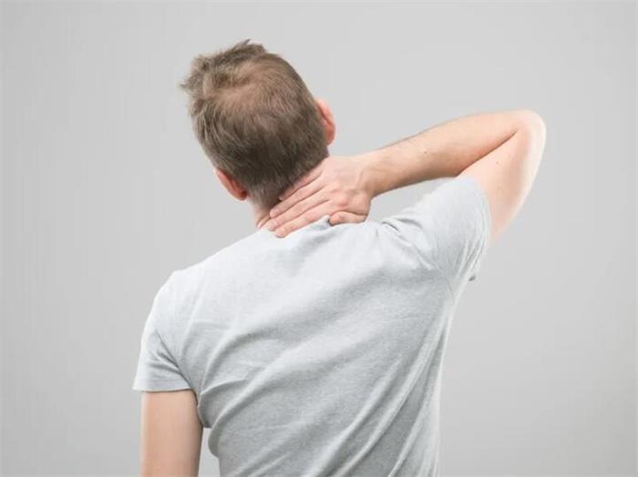 颈椎不舒服.jpg